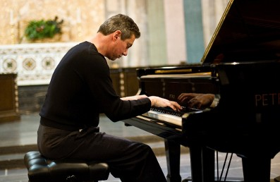 Classical pianist Mark Valenti
